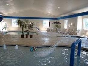 Comfort Suites - Housekeeper 8.50$