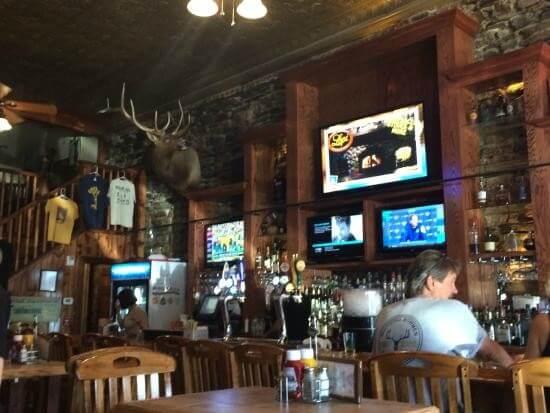 Buglin Bull Restaurant and Sports Bar - Server 8.55$