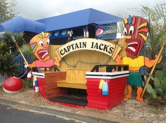 Capatain Jack's Seafood Buffet - Kitchen Help 7.25$