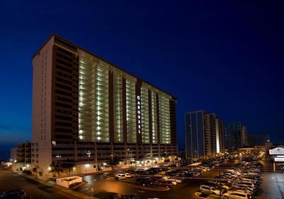 Carousel Beachfront Hotel - Busser
