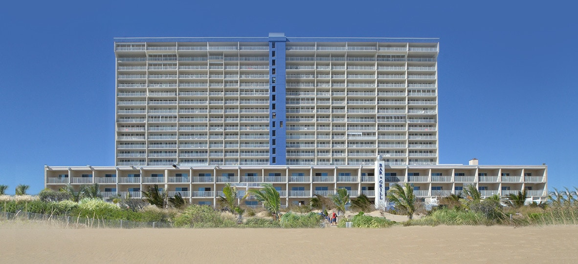Carousel Beachfront Hotel - Server