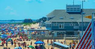 Decalomania Beachwear - Retail Sales Associate