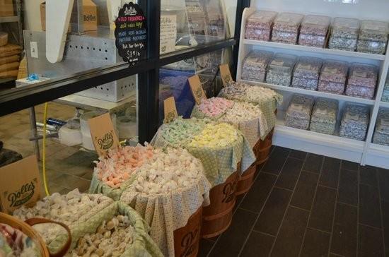Dolle's Candyland Inc - Kitchen Worker