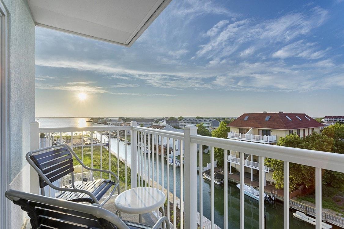 Fairfield Inn & Suites Ocean City - Breakfast attendant