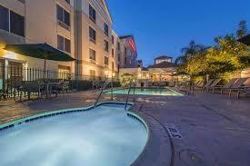 Hilton Los Angeles - Housekeeper