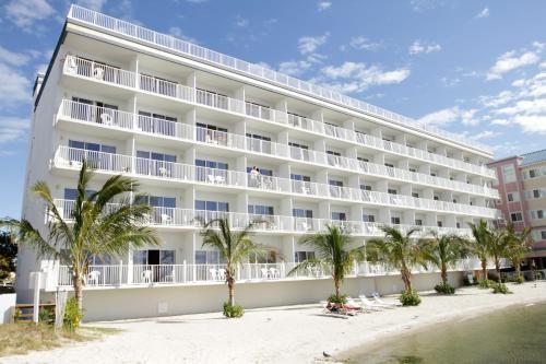 Princess Bayside Beach Hotel Groundskeeper