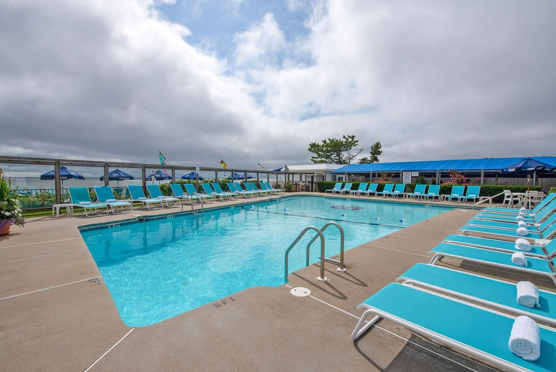 blue-water-outdoor-pool_0